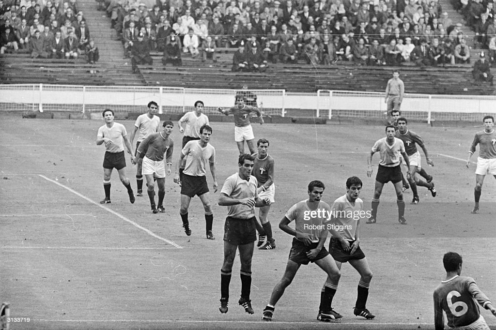 The 1966 World Cup match between Mexico and Uruguay . News Photo - Getty  Images