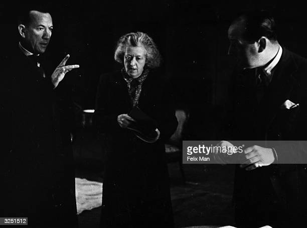 Noel Pierce Coward actor dramatist and composer rehearses his own play 'Blithe Spirit' with Margaret Rutherford and Cecil Parker Original Publication...