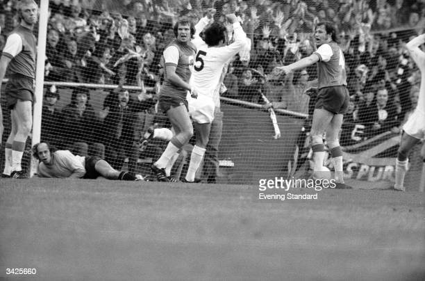 England scoring for Tottenham Hotspur at White Hart Lane in the first leg of the UEFA Cup Final against Feyenoord.