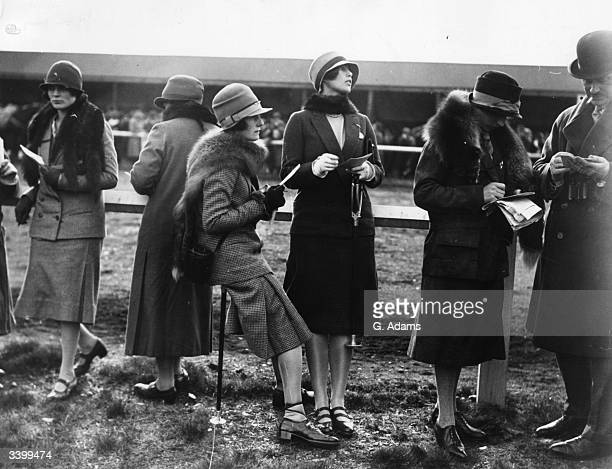 Miss Viola Murphy and Miss Todd attend the Chelmsford races