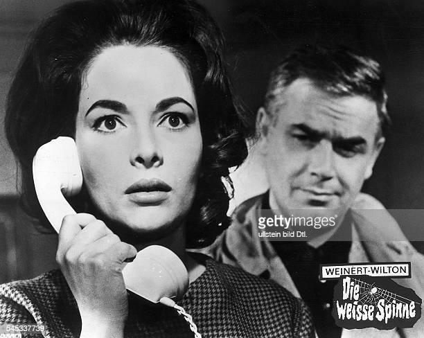 *Schauspielerin Dmit Joachim Fuchsberger in dem Film 'Die weisse Spinne' 1963