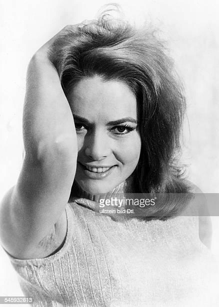 *Schauspielerin DRollenporträt aus dem Film James Bond 007 Man lebt nur zweimal Regie Lewis Gilbert 1967