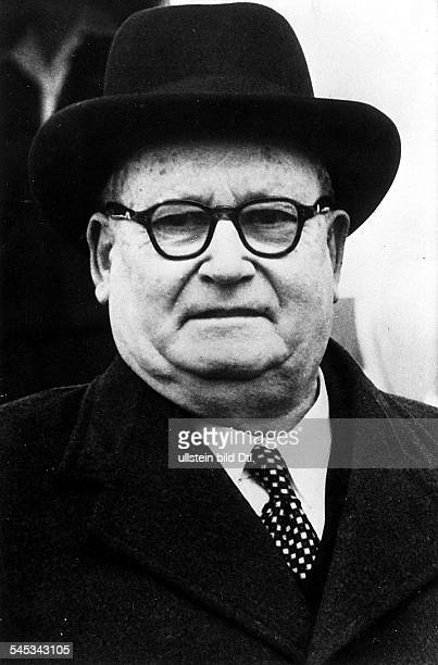 *22051874Prediger Politiker SüdafrikaMinisterpräsident der Südafrikanischen Union 19481954 Portrait 50er Jahre