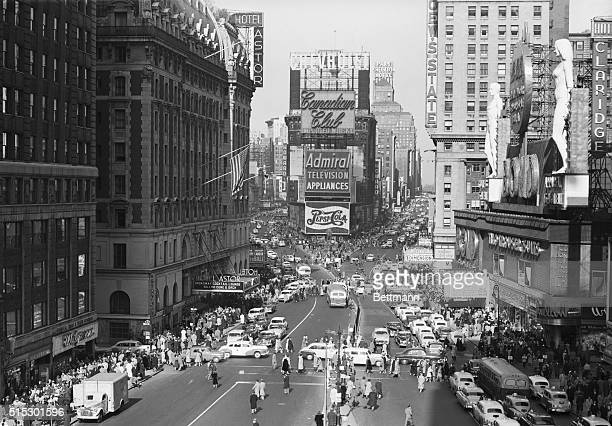 2/23/1953New York NY People jam the sidewalks but automotive traffic is light in Times Square Feb 23 as New Yorkers joined the rest of the nation in...