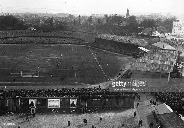 General view of the 1911 FA Cup final in progress between Bradford City and Newcastle United at Crystal Palace. The match ended in a goalless draw...