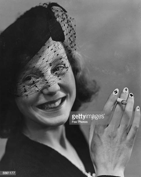 Angela Crofton, an Oxfrod society girl, caused a stir at an Oxford whist party by painting the trumps on her fingernails.