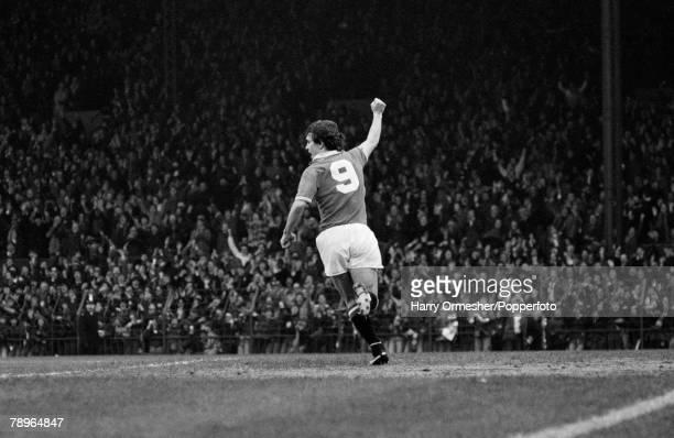 22nd December 1979 Old Trafford Manchester Manchester United 3 v Nottingham Forest 0 Manchester Uniteds Joe Jordan turns away and salutes the United...