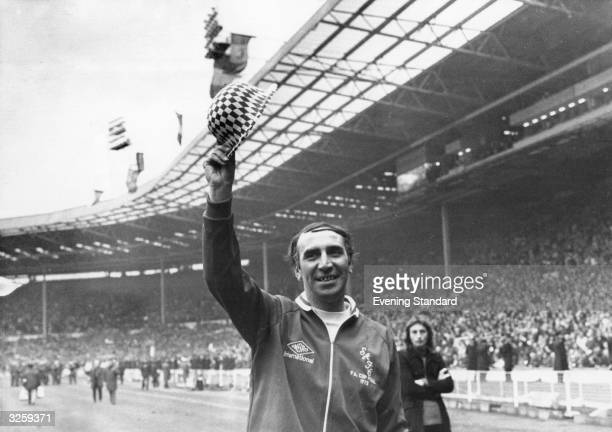 Sunderland Football Club Manager Bob Stokoe waves to the crowd after his team's 10 victory over Leeds United FC in the FA Cup final at Wembley Sadium