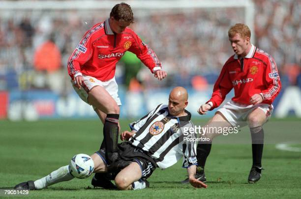 22nd May 1999 FA Cup Final Wembley Manchester United 2 v Newcastle United 0 Manchester United's Ole Gunnar Solskjaer is stopped by a tackle from...