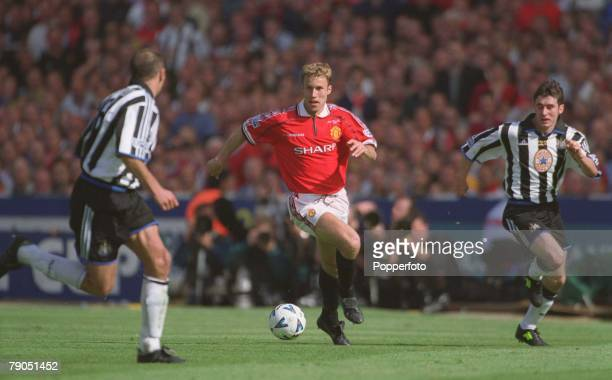 22nd MAY 1999 FA Cup Final Wembley Manchester United 2 v Newcastle United 0 Man Utd's Ronny Johnsen runs at the Newcastle defence