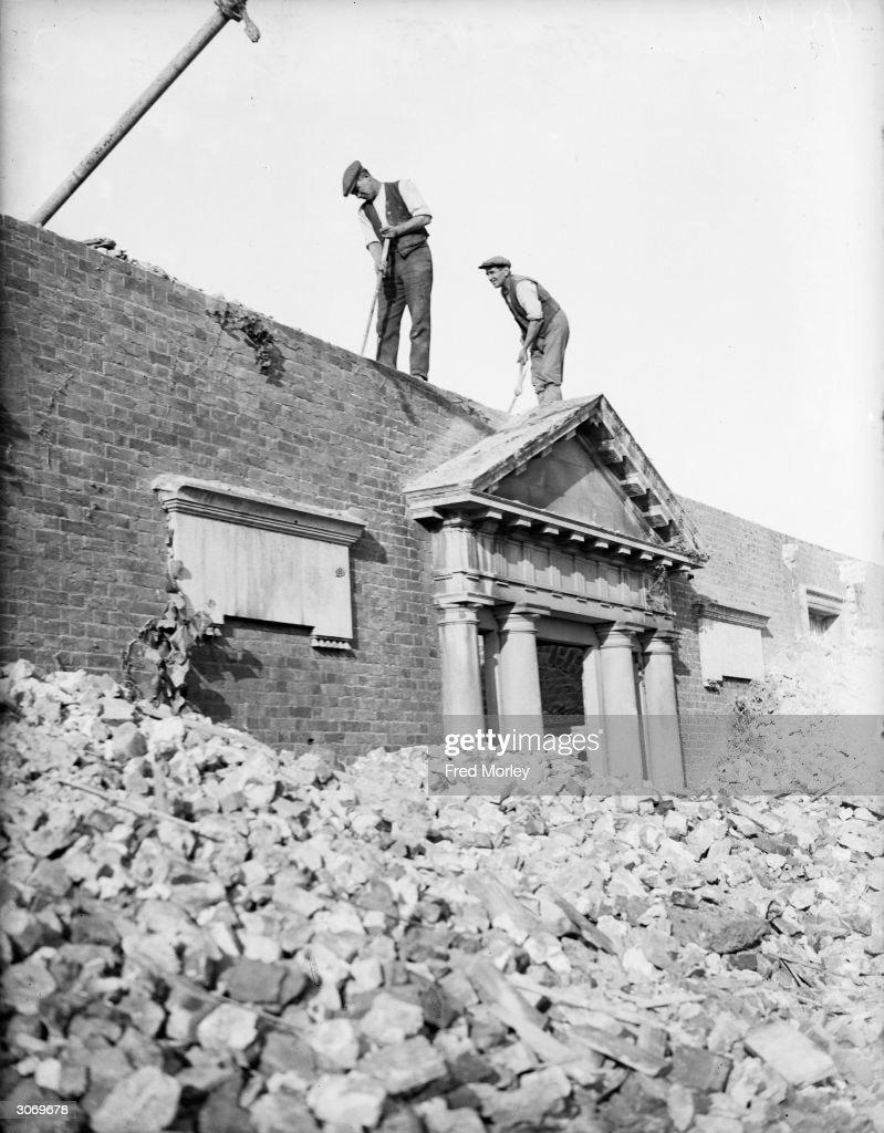 Demolition Work : News Photo