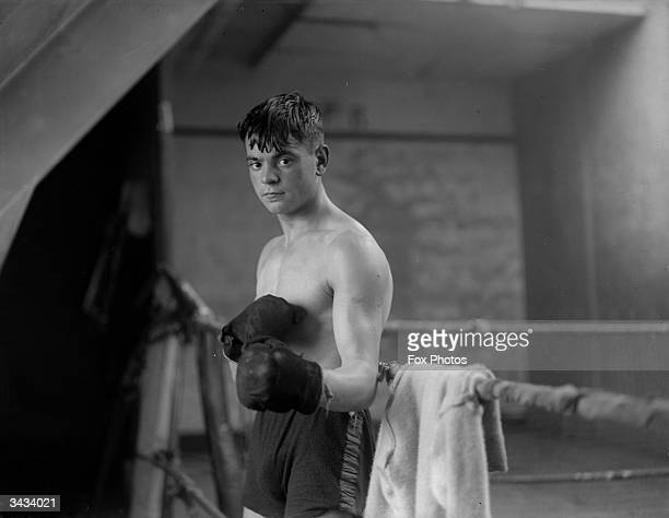 British boxer Dave Crowley started boxing at the Gainsford Boxing Club in Drury Lane