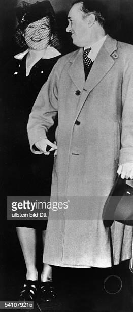 16061890 Schauspieler USALaurel mit Ehefrau Vera Shukalowa 1939