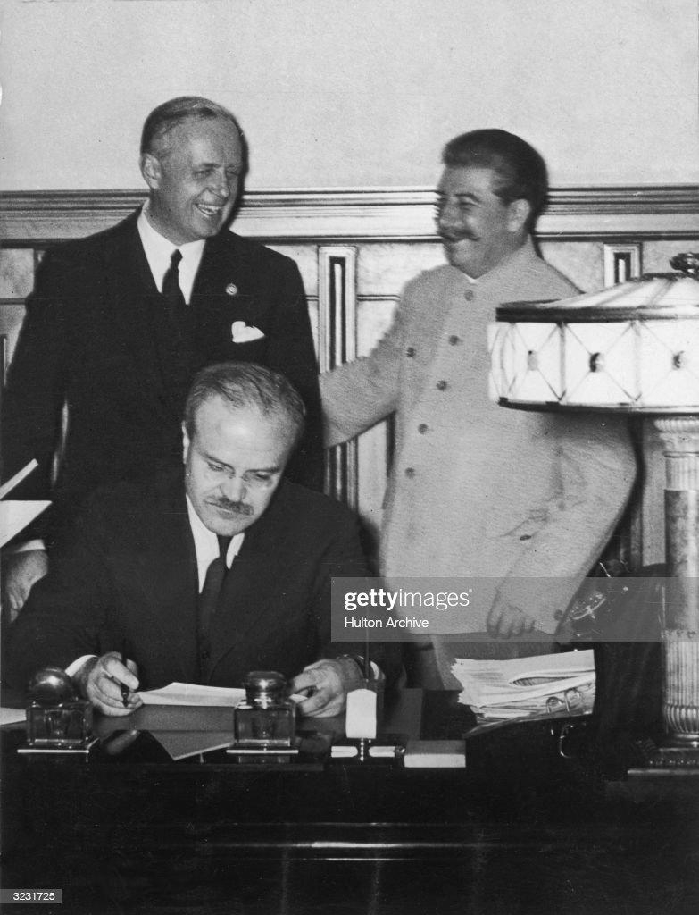 Non-Aggression Treaty : Fotografía de noticias