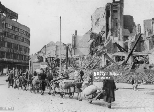 Refugees returning to Berlin despite devastation in the city after World War II