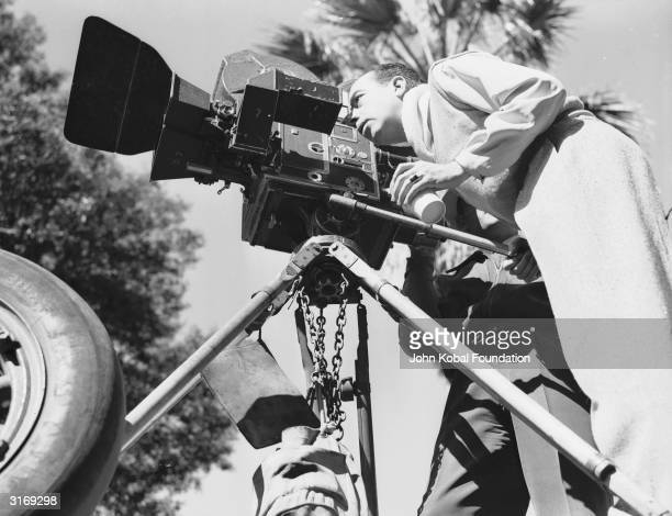 Hollywood director Vincente Minnelli on the set of 'Undercurrent.'