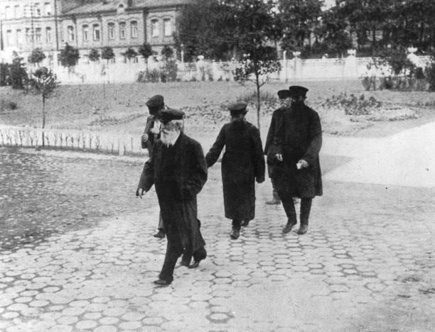 Five peasant deputies return to the Russian Duma in...