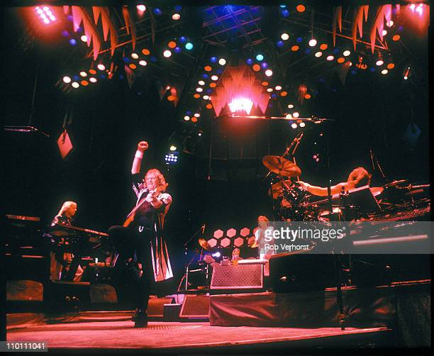Yes perform live on stage in the Round at Ahoy in Rotterdam Netherlands on 23rd June 1991 Left to Right Rick Wakeman Chris Squire Bill Bruford Jon...