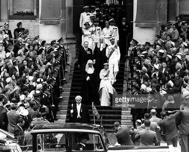 The Queen leaving Parliament House after opening the South Australian Parliament in Adelaide during her Royal Tour Her Majesty is wearing an evening...