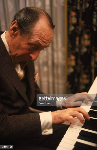 Russian-born pianist Vladimir Horowitz plays Liszt's Hungarian Rhapsody Number 2 in New York.