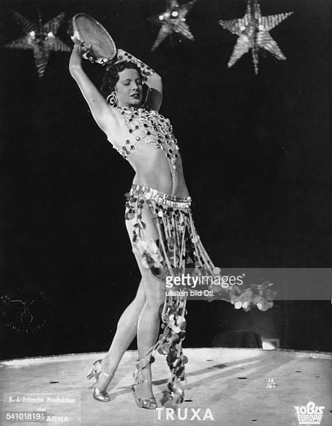 Schauspielerin, Tänzerin, Österreich, DTanzszene aus dem Film 'Truxa'mit TamburinR und B Hans H. Zerlett, nach dem Romanvon Heinrich...