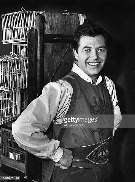 *Schauspieler ÖsterreichRollenporträt als Adam in Der Vogelhändler veröff 1960