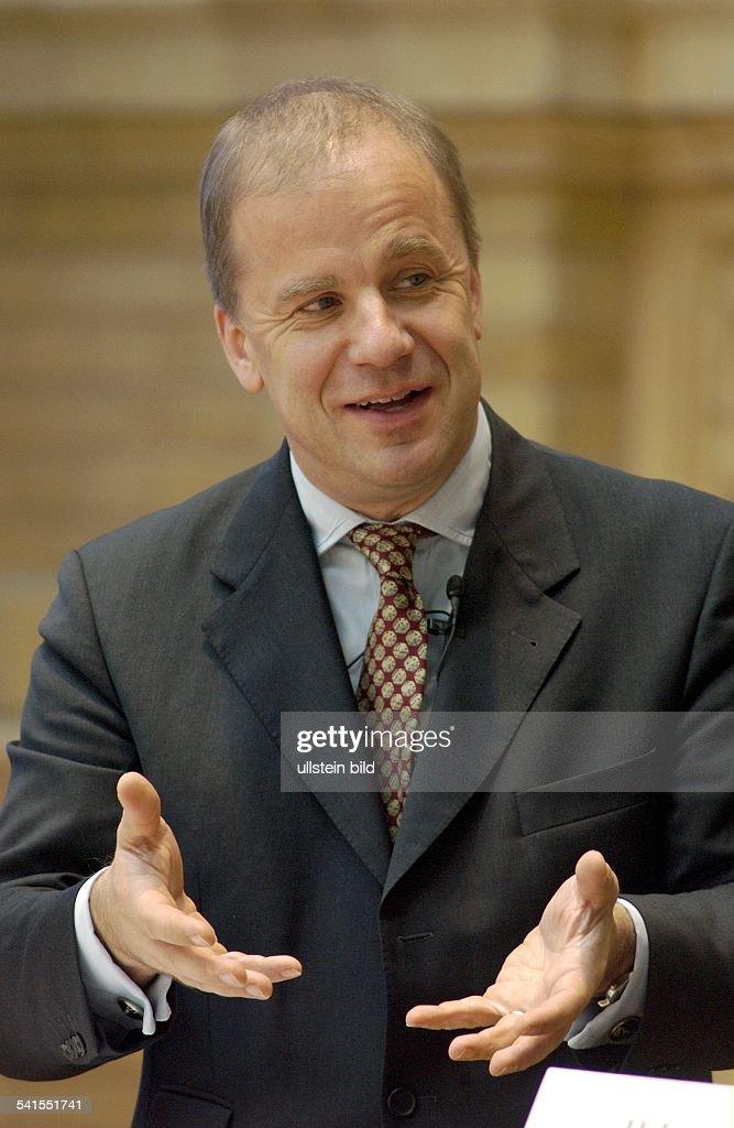 Manager, Produzent, DVorstandsmitglied Axel-Springer-Verlag