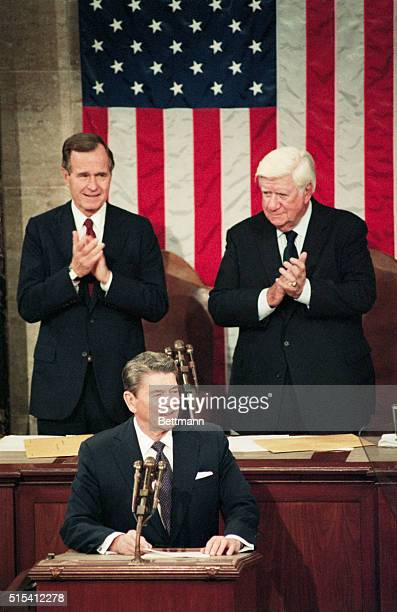 2/4/1986Washington DC President Ronald Reagan receives applause prior to beginning his state of the union address