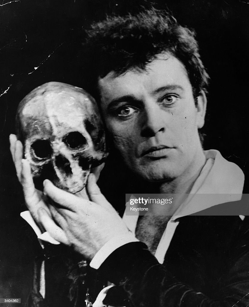 Burton's Hamlet : News Photo