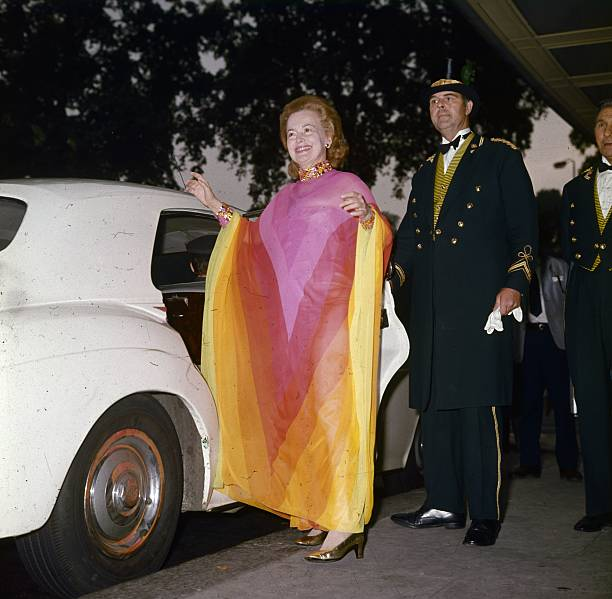 USA: Fashion Archives: Caftan Style