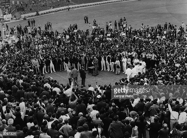 The ceremony following India's test series victory at the Oval.