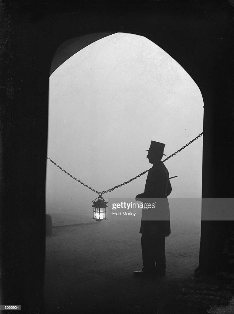 London Fog : News Photo