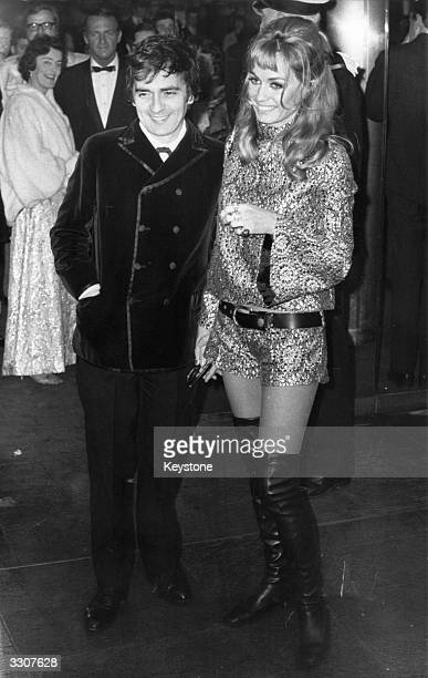 The English actor and musician Dudley Moore and his wife Sue Kendall at the gala premiere of the film 'Rosemary's Baby' at the Paramount Cinema London