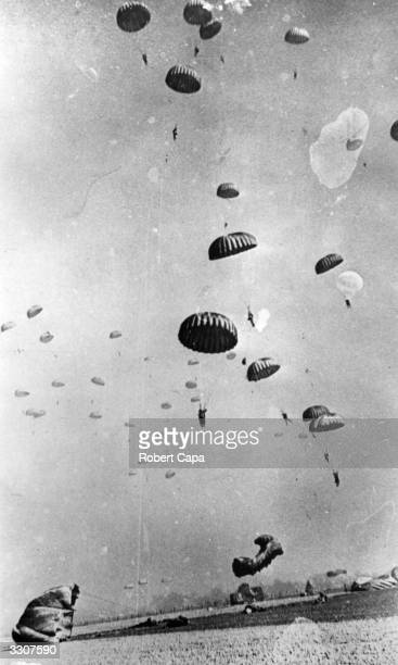 Paratroopers of the 17th US Airborne Division descending near Wesel in Germany during the Allied Airborne Army operation to secure the Rhine crossing.