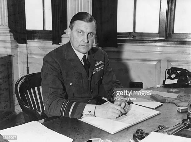 English Air Marshal William Sholto Douglas takes over Fighter Command