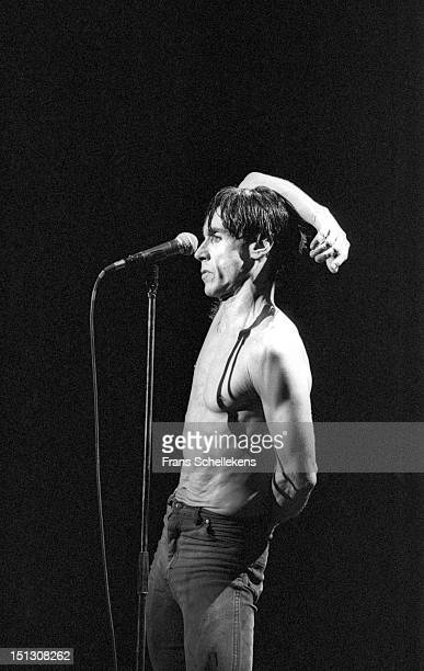 24th NOVEMBER: American musician Iggy Pop performs live on stage at Vredenburg in Utrecht, Netherlands on 24th November 1986.