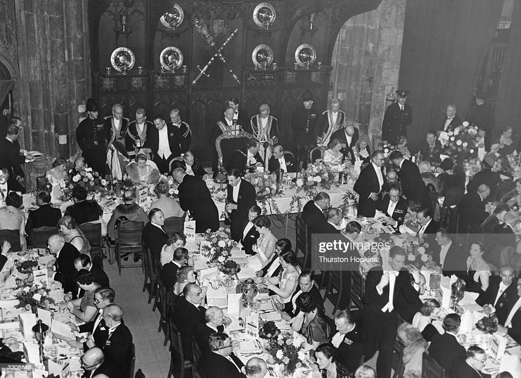 A banquet at the Guildhall in London. Original Publication: Picture Post - 8008 - The Opening Night - pub. 1955