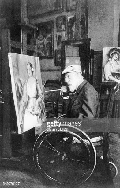 *25021841Bildender Künstler Maler FrankreichPorträt in seinem Atelier um 1914