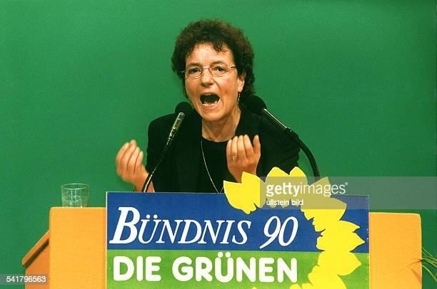 1957Politikerin, Bündnis 90/Die Grünen; D- verteidigungspolitische Sprecherin derFraktion von Bündnis 90/Die Grünen imDeutschen Bundestag- Rede auf...