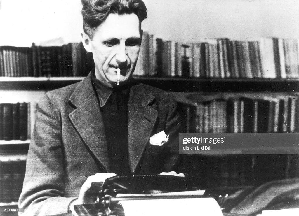 George Orwell - an seiner Schreibmaschine : News Photo