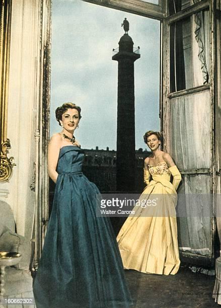 250th Anniversary Of The Place In Paris Vendome Fashion Schiaparelli Paris mai 1950 250e anniversaire de la place Vendôme la maison de couture d'Elsa...
