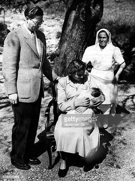 *König 19271930 und 19401947mit Ehefrau Anna und Tochter Marguerite in ihrem Garten in der Nähe von Lausanne