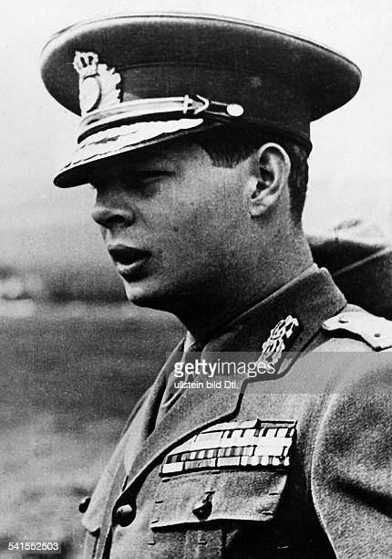 König von Rumänien 19271930sowie 19401947 Porträt in Uniform