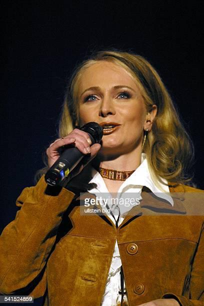 *Schlagersängerin Dbei einem Konzert im Tempodrom in Berlin