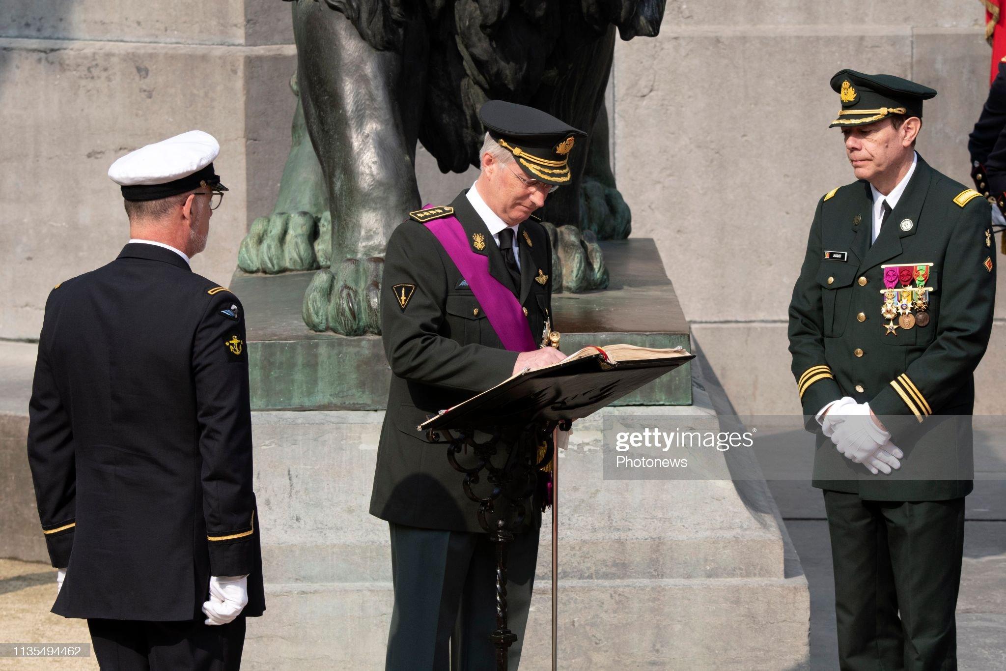 CASA REAL BELGA - Página 37 25e-anniversaire-de-la-crmonie-dhommage-aux-soldats-belges-morts-en-picture-id1135494462?s=2048x2048
