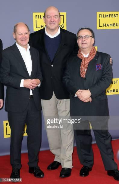 25Geburtstag Eröffnung FILMFEST HAMBUR am im CinemaxX Dammtor Olaf Scholz John Carroll Lynch undAlbert Wiederspiel premiere of 'Lucky'
