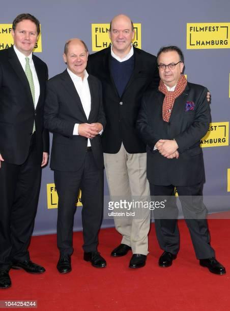 25Geburtstag Eröffnung FILMFEST HAMBUR am im CinemaxX Dammtor Carsten Brosda Olaf Scholz John Carroll Lynch undAlbert Wiederspiel premiere of 'Lucky'