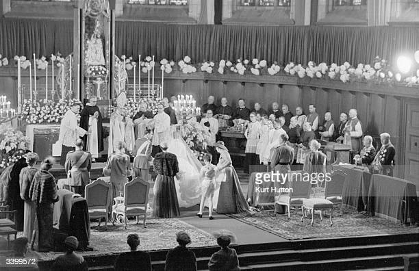 The wedding of Prince Jean heir to the throne of Luxembourg and Belgian Princess Josephine Charlotte On the left are Prince Felix and the Grand...