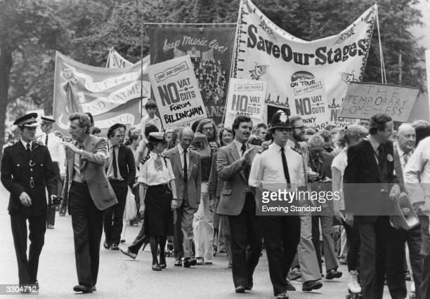 Anti VAT marchers arrive at Speakers Corner Park Lane London