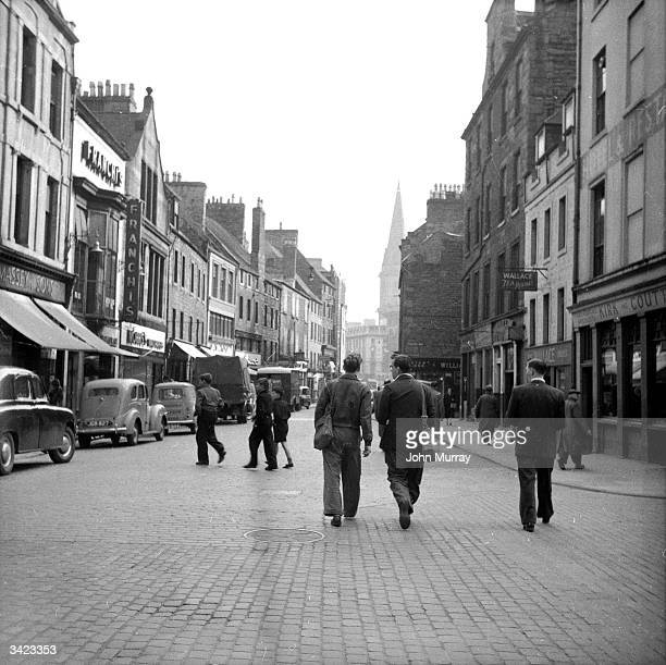 A street of shops in the Scottish city of Dundee Dundee situated on the banks of the dSilvery Tayf is linked to Fife and the south of Scotland by a...